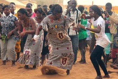 femmes-dansent-abissa