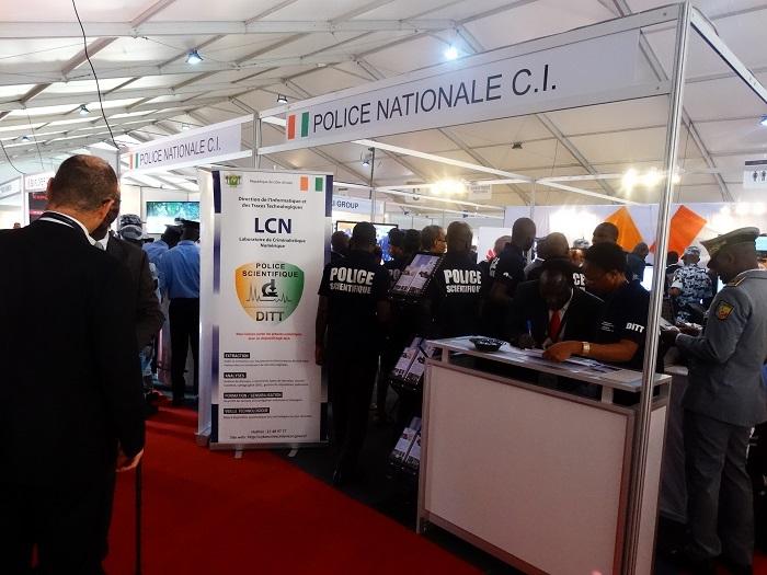 STAND DE LA POLICE NAT IVOIRIENNE.jpg